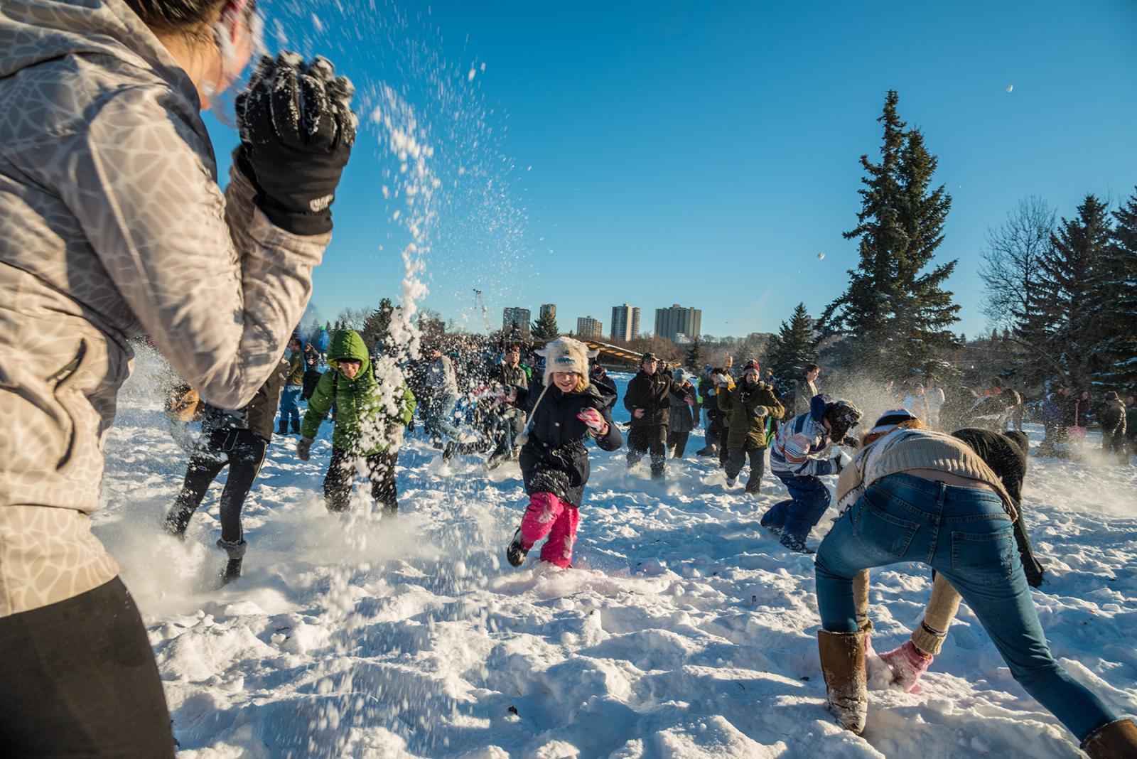 Canadese winterbestemmingen Edmonton & Jasper organiseren morgen een sneeuwballengevecht in Rotterdam